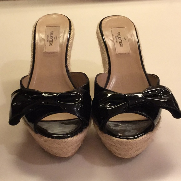 ce96a1332e1 Valentino Black patent leather Espadrille bow wedg